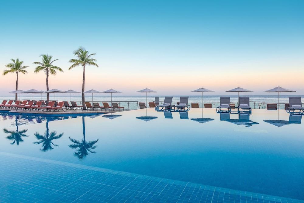 https://i.travelapi.com/hotels/1000000/30000/28200/28116/a64d7ed6_z.jpg