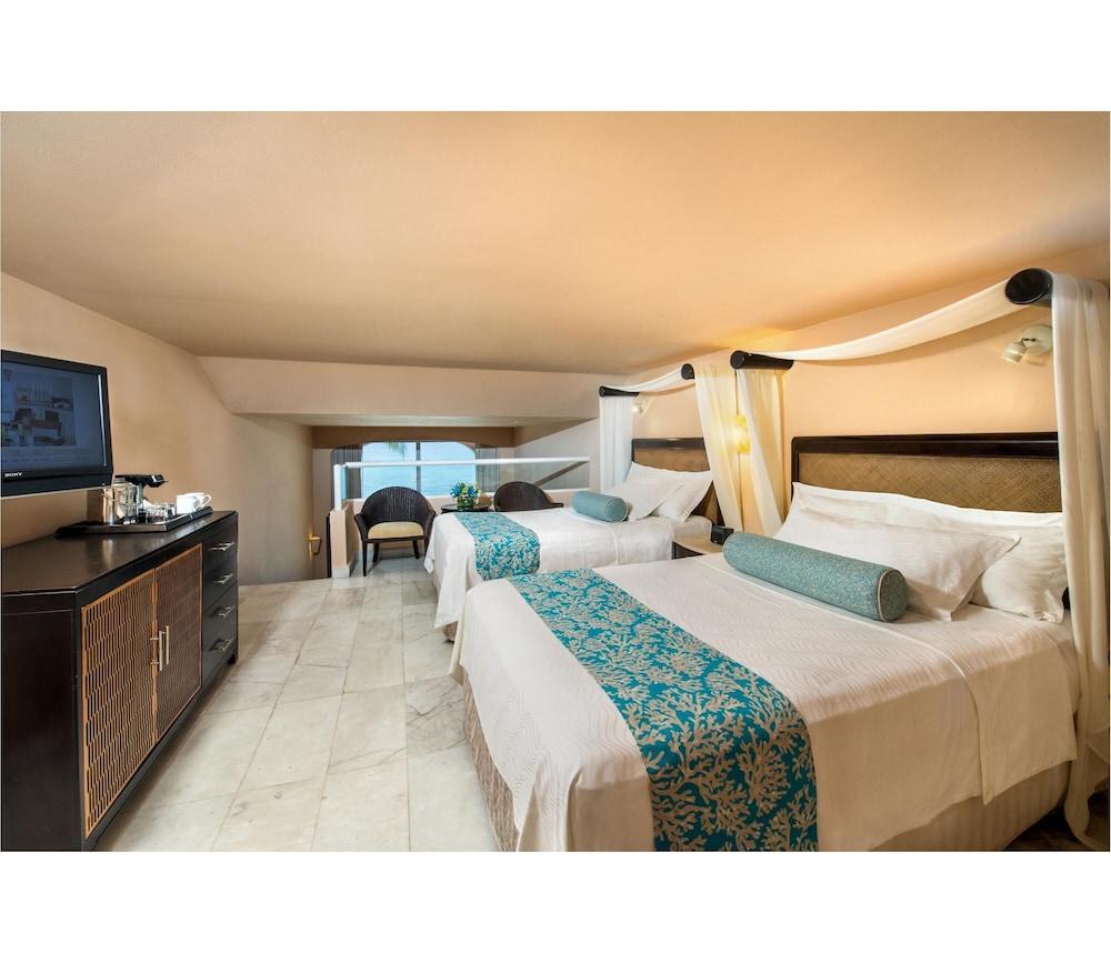 https://i.travelapi.com/hotels/1000000/30000/28200/28116/a8ae174e_z.jpg