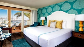 Room, 1 King Bed, Marina View