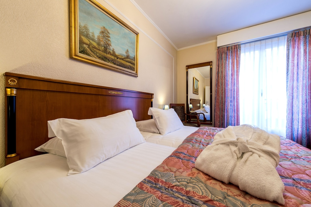 ホテル ディプロマテ