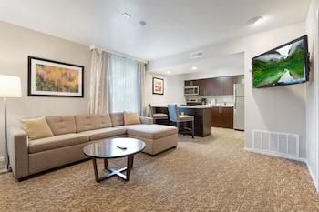 Signature Suite, 1 Bedroom, Kitchen