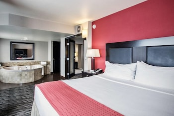 Suite, 1 King Bed, Non Smoking (1 Living Room)