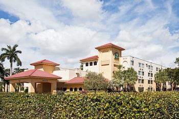 La Quinta Inn Amp Suites By Wyndham Ft Lauderdale Cypress Cr