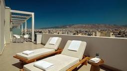 Junior Süit, 1 En Büyük (king) Boy Yatak, Balkon, Şehir Manzaralı (business Lounge Access)