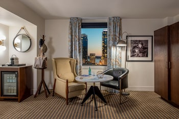 Studio Suite, 1 King Bed, View (Clawfoot Soaking Tub, Water View)