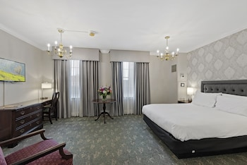 Superior Room, 1 Queen Bed (Cabot)