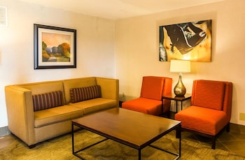 Lobby at Quality Inn & Suites Garland - East Dallas in Garland