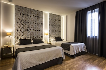 Triple Room (Two twin and one extra bed)