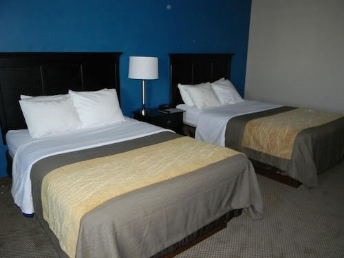 . Boarders Inn & Suites by Cobblestone Hotels - Munising