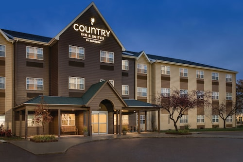 . Country Inn & Suites by Radisson, Dakota Dunes, SD