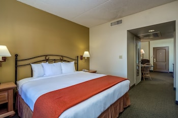 Guestroom at Scottsdale Suites on Shea in Scottsdale