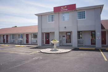 Hotel - Econo Lodge Inn & Suites South