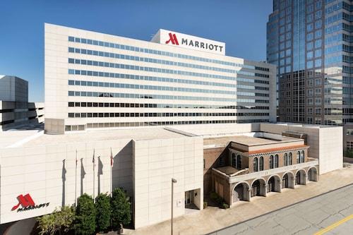 __{offers.Best_flights}__ Marriott Greensboro Downtown