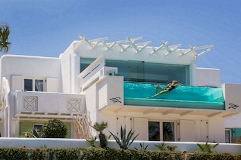 Signature Suite 130 Sea View With Private Glass Pool