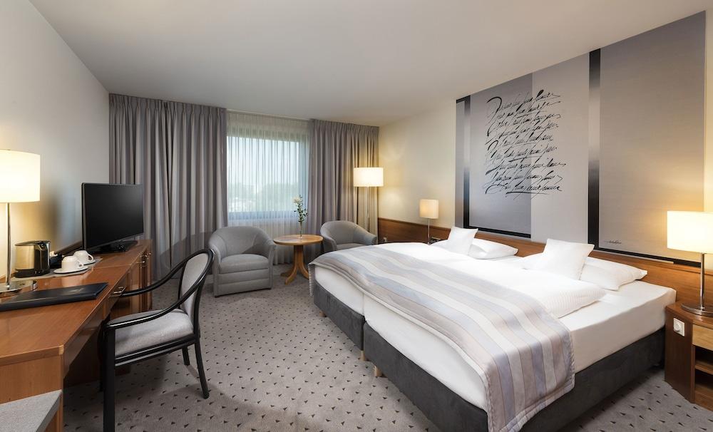 마리팀 에어포트 호텔 하노버(Maritim Airport Hotel Hannover) Hotel Image 5 - Guestroom