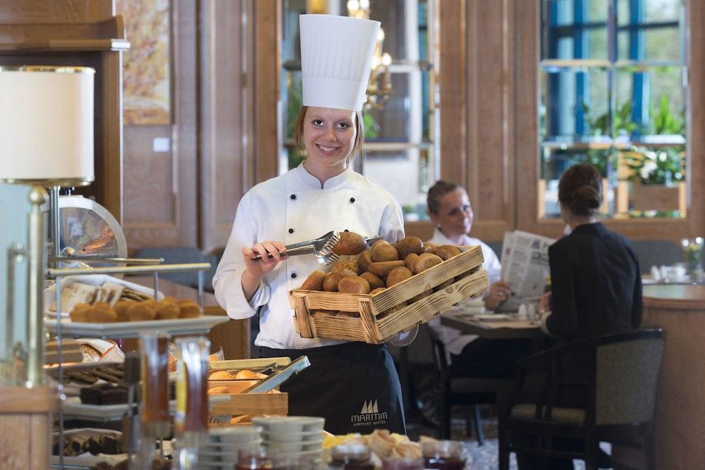 마리팀 에어포트 호텔 하노버(Maritim Airport Hotel Hannover) Hotel Image 22 - Breakfast Area