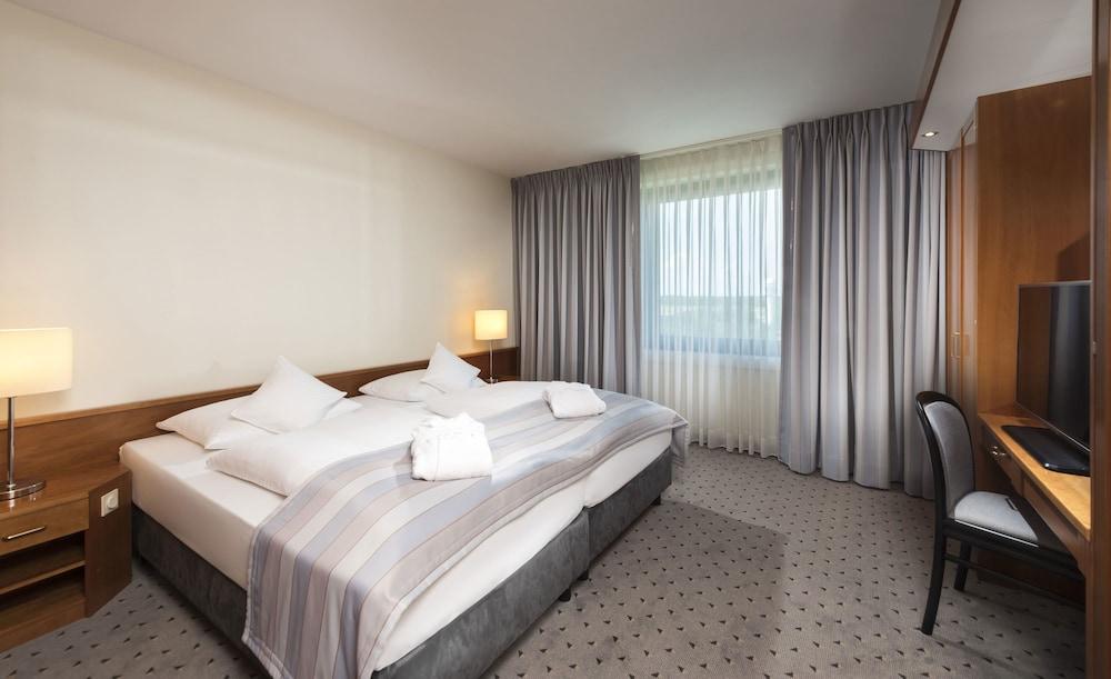 마리팀 에어포트 호텔 하노버(Maritim Airport Hotel Hannover) Hotel Image 12 - Guestroom
