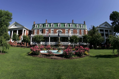 __{offers.Best_flights}__ The Martha Washington Inn And Spa