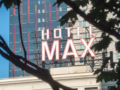 Hotel Max, King