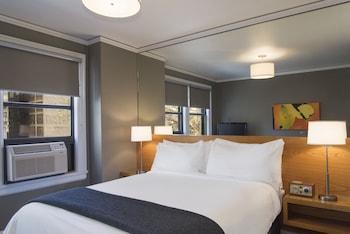 Room, 1 Queen Bed (Modern)