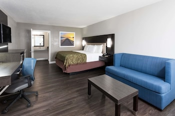 Guestroom at Days Inn by Wyndham Goose Creek in Goose Creek