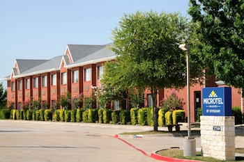 Microtel Inn by Wyndham Arlington-Dallas Area