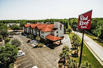 Exterior at Red Roof Inn & Suites Savannah Gateway in Savannah