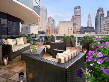 Suite, 1 King Bed with Sofa bed, Terrace (Prestige Skyscraper)