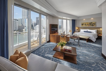 Junior Suite, 1 King Bed, Bay View