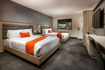 Guestroom at Canoga Hotel in Canoga Park