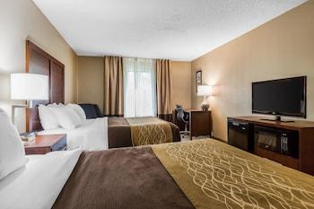 Comfort Inn And Suites - Guestroom  - #0