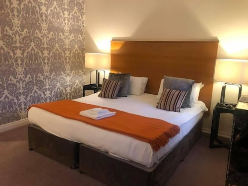 . Mercure Telford Madeley Court Hotel
