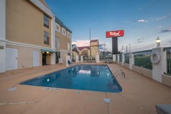 Hotel - Red Roof Inn & Suites Newnan