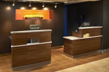 Courtyard by Marriott Cincinnati-Covington photo