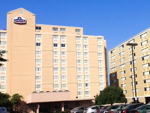 Charleston Capitol Hotel, Kanawha