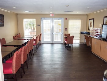 Restaurant at Extended Stay America - Orlando - Conv Ctr - 6443 Westwood in Orlando