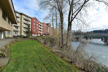 Hotel - Holiday Inn Express Portland SE- Clackamas Area