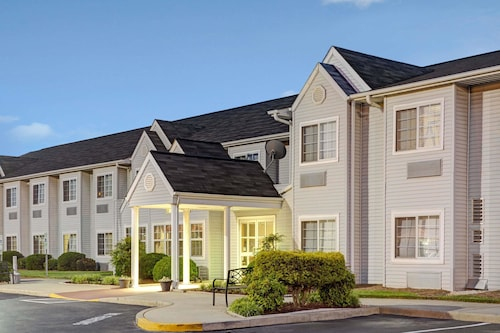 Microtel Inn & Suites by Wyndham Burlington, Alamance