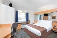 Suite, 1 Queen Bed, Accessible, Non Smoking (with Sofa bed)