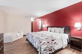 Suite, 1 King Bed, Non Smoking, Jetted Tub (Two Rooms)
