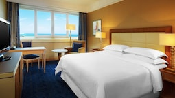 Room, 1 King Bed, Sea View