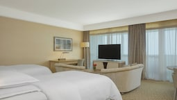 Club Suite, 2 Twin Beds, Balcony, Sea View