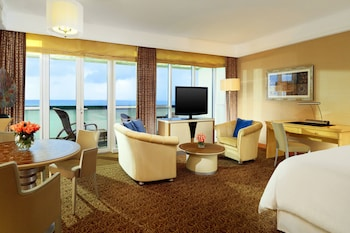 Junior Suite, 1 King Bed, Balcony