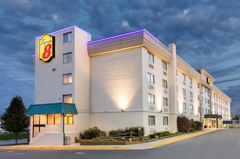 Hotel - Super 8 by Wyndham Frederick