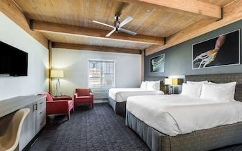 Room, 2 Queen Beds, Non Smoking, Harbor View