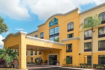 Hotel - La Quinta Inn & Suites by Wyndham Tampa North I-75