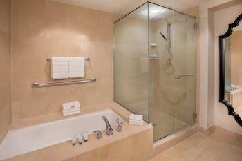 Suite, 1 Bedroom, Balcony, Corner