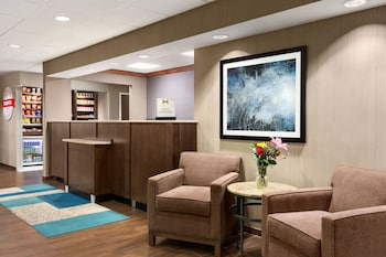 Lobby Sitting Area at Hampton Inn Philadelphia Mt. Laurel in Mount Laurel
