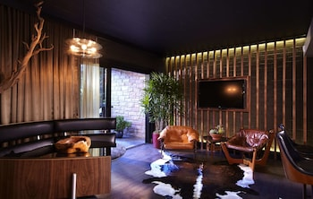 Suite, 1 Bedroom, Kitchenette, Pool View (Cabana Building)