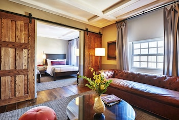 Suite, 1 Bedroom (Two Double Beds)
